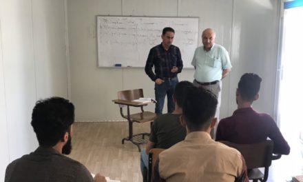 عميد كليتنا عضو لجنة مناقشة في جامعة الموصل